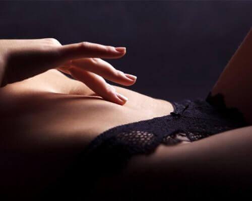 за да преодолеете женската аноргазмия, изследвайте себе си без страх