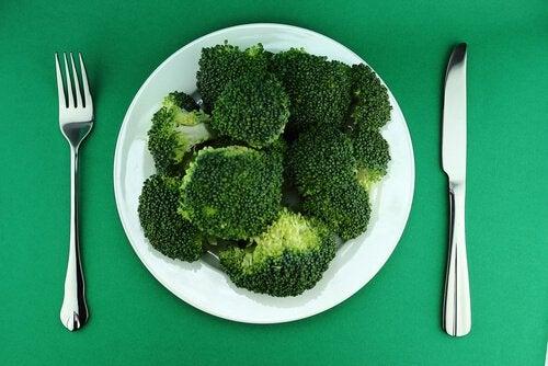 броколито контролира отделянето на хормони на щитовидната жлеза