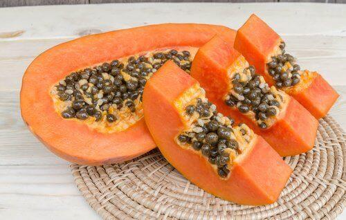 Папая е един от най-добрите плодове за предпазване от запек