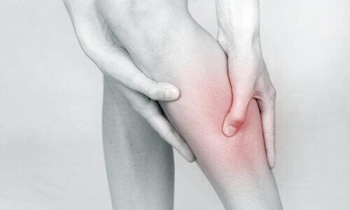 Трудност при координацията на крайниците е чест симптом преди инсулт.