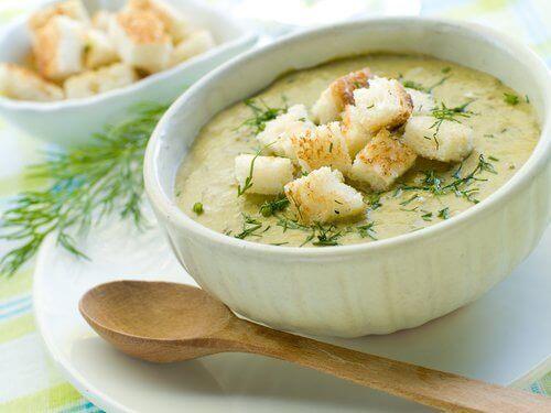 Диетата, която включва супа от броколи, ще ви помогне да отслабнете