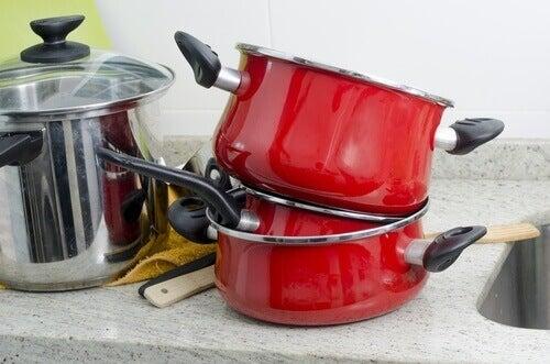 Боракс е идеално средство за хигиена на домакинските ви съдове