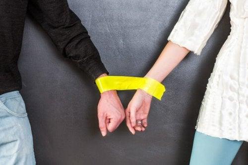Емоционално-зависими връзки - проблемът трябва да бъде разрешен