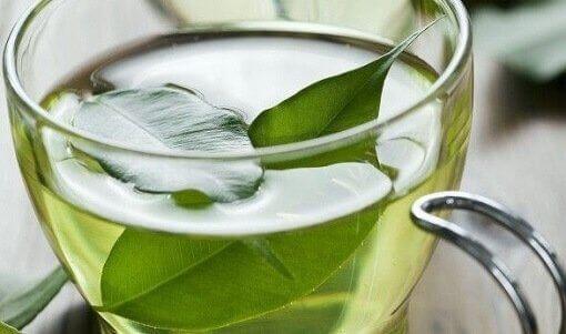 Зеленият чай се бори с артрит