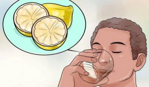 Защо детоксикиращите напитки са добри за отслабване