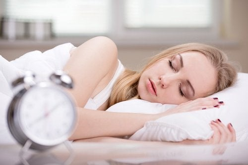 Ако спите твърде много, може да натрупате излишни килограми