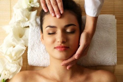 Трябва да масажирате лицето си - ще изглеждате по-млади