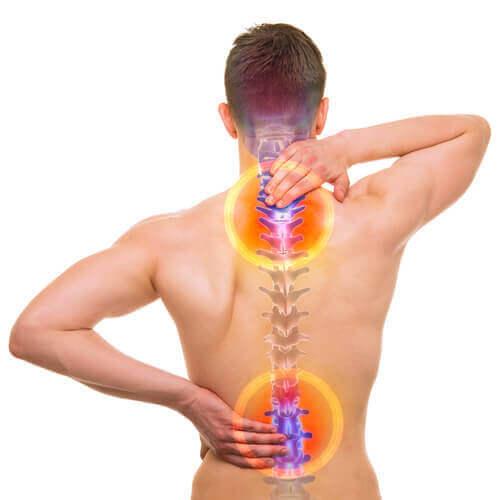 Болката в долната част на гърба може да е причинена от разтегнат мускул.