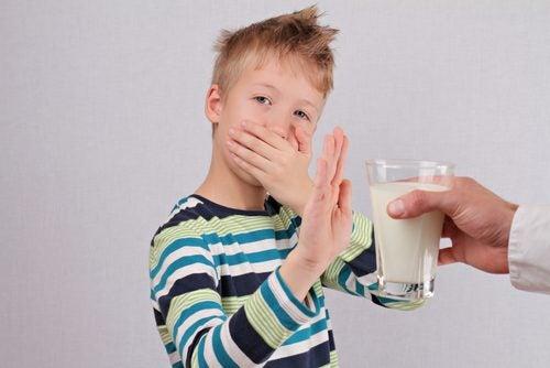 Диарията и запекът също могат да съпътстват лактозната непоносимост