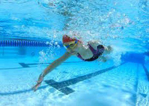 плуването засилва кръвообращението