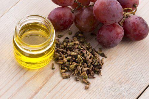 Нощен крем с масло от гроздови семки