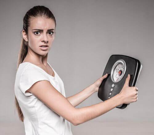 загубата на тегло може да е сигнал за рак на маточната шийка