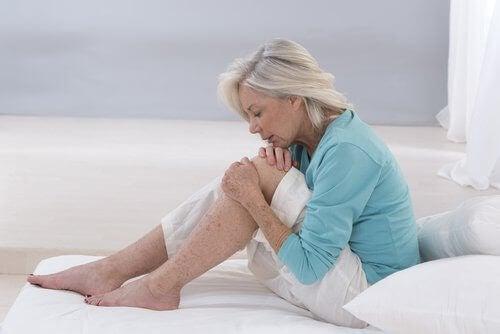 болката при артрит и сока от алое вера