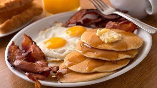 5 храни, които да избягвате на закуска