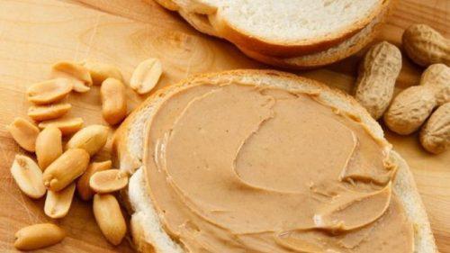 Включете в диетата си овесени ядки или фъстъчено масло за закуска