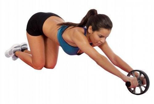 упражнения за изгаряне мазнините по корема