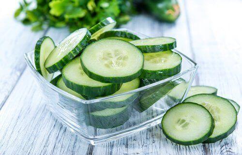 краставици срещу задържане на течности