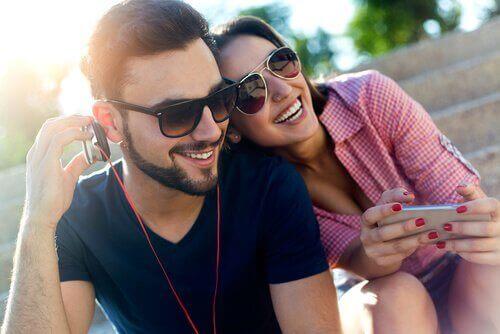 Контактите с хората могат да върнат щастието в живота ви