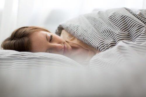 Ако дадете на тялото си почивката, която заслужава и се нуждае, ще можете да се освободите от това безпокойство.