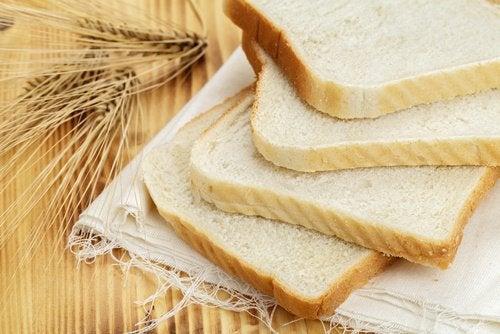 Белият хляб трябва да се избягва при хипертония