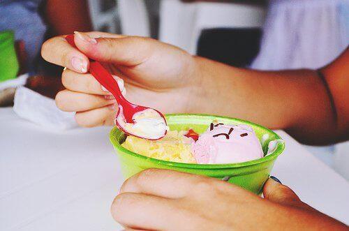 Домашен сладолед с канела