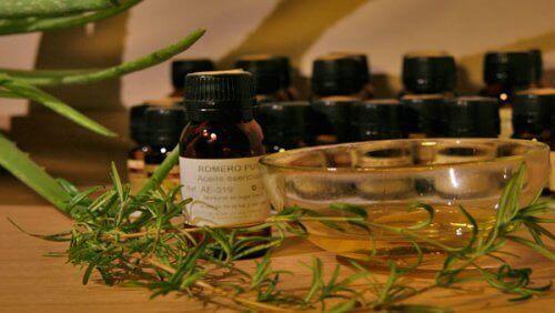 Как да използвате етеричните масла при болка в мускулите и ставите