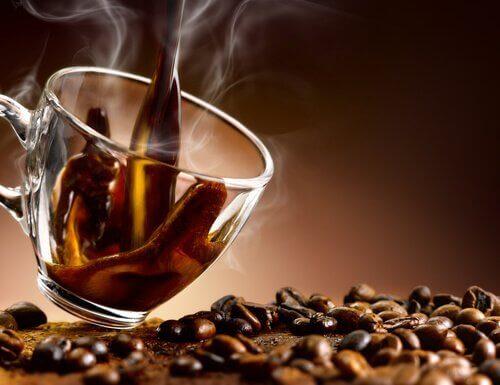 пиене на кафе може да доведе до натрупване на тегло