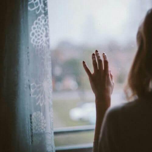 животът изглежда по-труден, когато забравяте да мечтаете за бъдещето, а гледате само в миналото