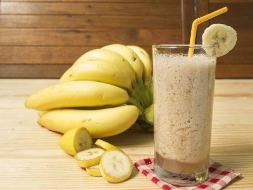 Смути от банан и кисело мляко за храносмилането ви