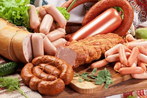 Силно обработените  меса може да причинят проблеми с мигрената