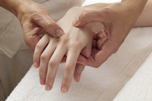 преждевременната менопауза - загуба на плътност на костите