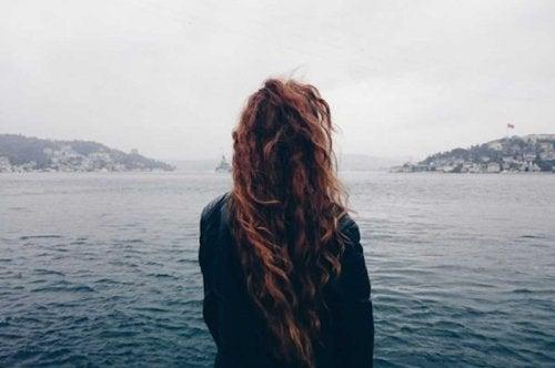 Едно от най-смелите неща, които може да направите, е да се откажете от нещо