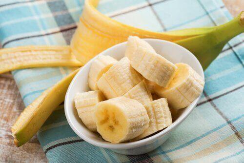 нарязан банан