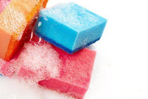 Сол за дезинфекция на гъбите в кухнята и банята