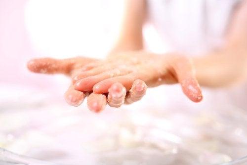 Ексфолиант за омекотяване на ръцете