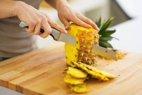 Може да използвате дори корите на ананаса