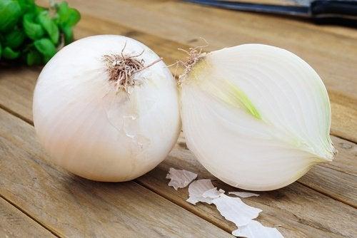 лукът е серд най-ценните натурални лечебни средства