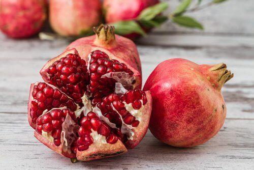 сокът от нар също помага за борбата с анемията