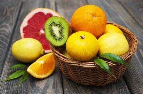 Цитрусовите плодове съдържат голямо изобилие от витамин С