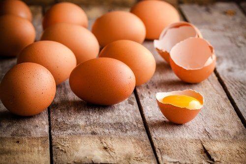 Сурови яйца след срока на годност