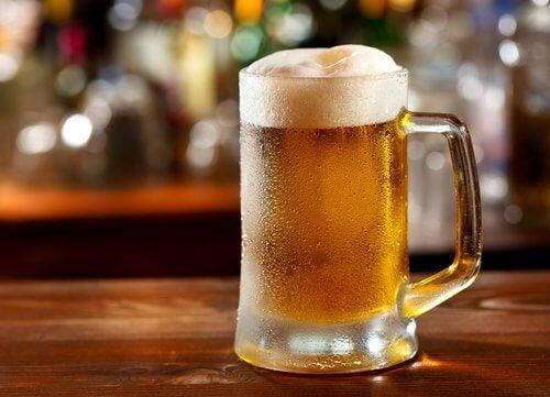 при подагра не е добре да пиете бира