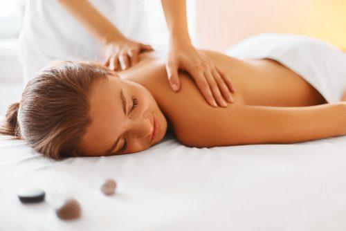 масаж при болка в раменете