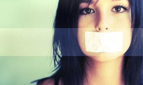 Неудовлетворението на родителите с тийнейджъри, които не говорят