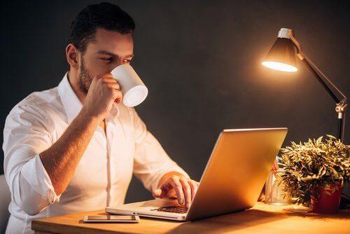 Навици, които могат да ви разболеят - работа през нощта