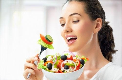 вредни хранителни навици отнемащи красотата на лицето ви