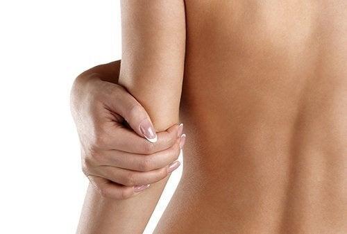 Четири трика за справяне със сухата кожа