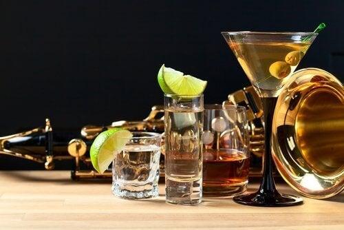 Съветваме ви да не пиете алкохол, когато имате главоболие.
