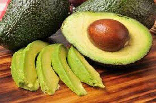авокадото е сред храните съдържащи полезни мазнини