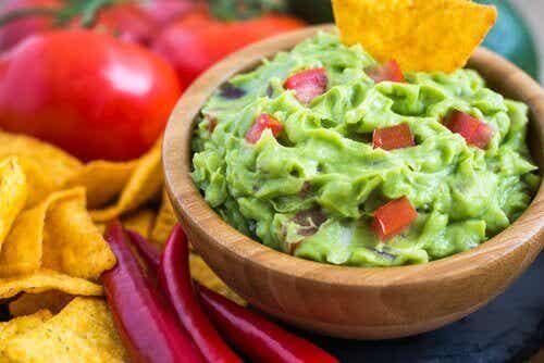 3 рецепти за гуакамоле, в които ще се влюбите