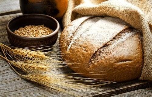 Пълнозърнените храни съдържат сложни въглехидрати